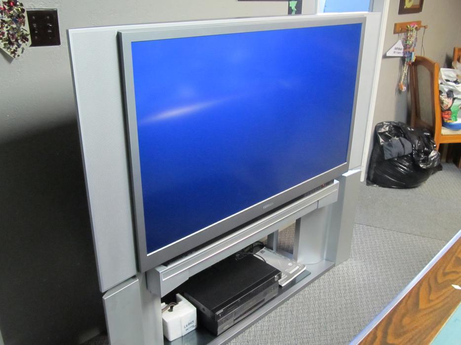 toshiba dlp 52 inch tv victoria city victoria mobile. Black Bedroom Furniture Sets. Home Design Ideas