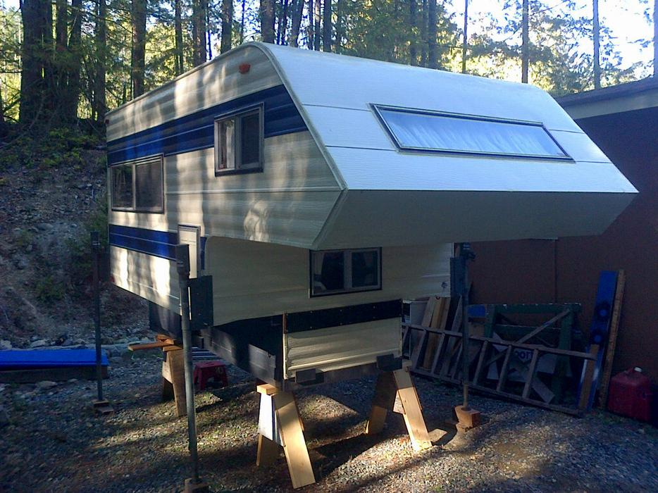 Man Cave Fort Nelson : Ft cave man camper central saanich victoria