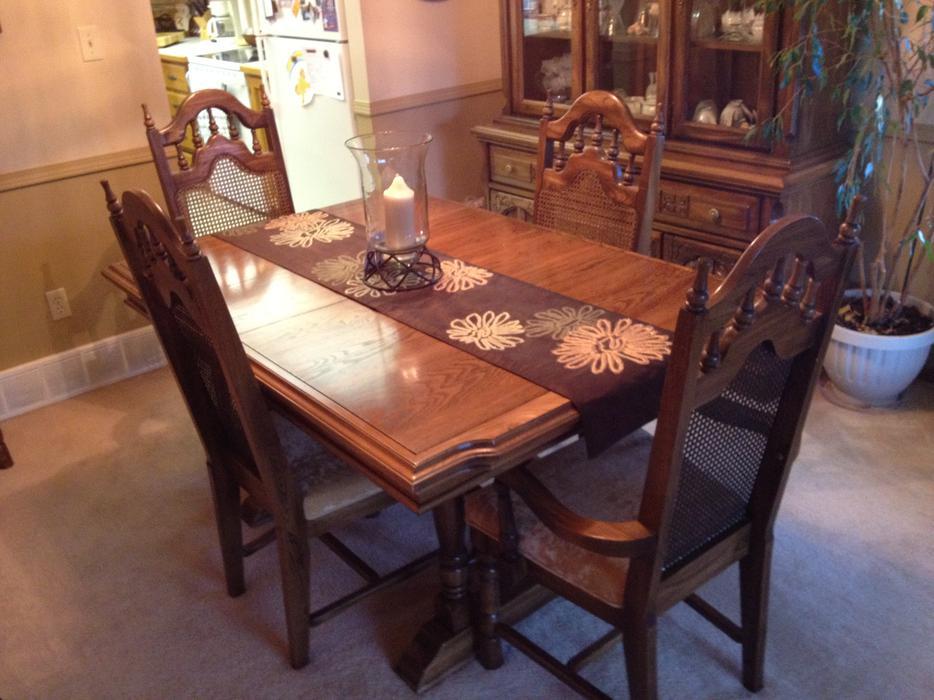 Solid Oak Dining Room Set And China Cabinet East Regina Regina