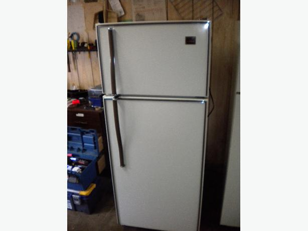 10 Cu Ft White Viking Apartment Size Frost Free