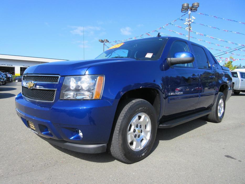 Blue 2013 Chevrolet Avalanche Lt Black Diamond Outside