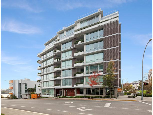 The penthouse at dockside green victoria city victoria for 3 kitchener street leeds
