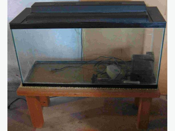 30 Gallon Aquarium With Canopy And Acc Saanich Victoria