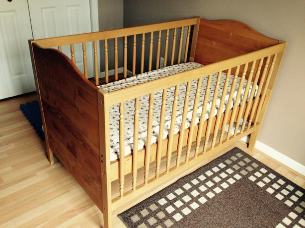 kids crib and bed victoria city victoria mobile. Black Bedroom Furniture Sets. Home Design Ideas