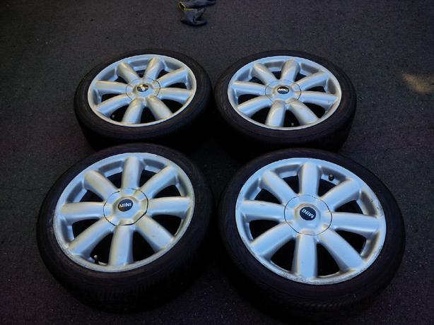 4 17 all season run flat mini cooper wheels tires saanich victoria. Black Bedroom Furniture Sets. Home Design Ideas
