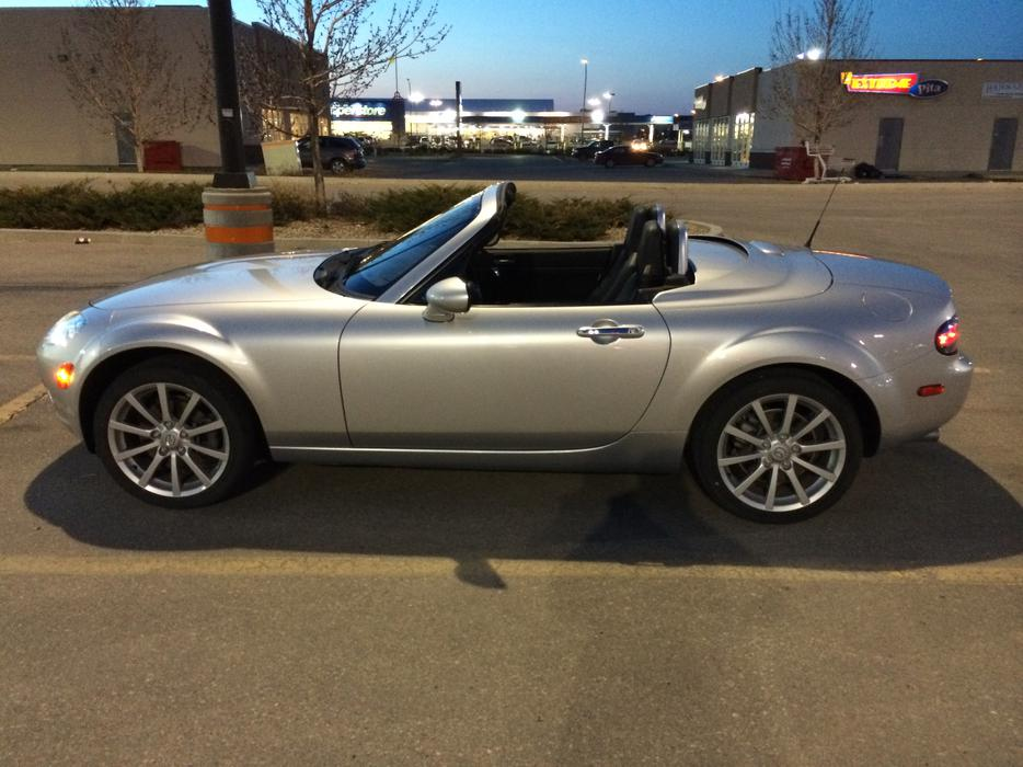 2007 mazda mx 5 miata gt convertible power retractable. Black Bedroom Furniture Sets. Home Design Ideas