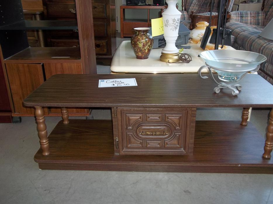 Coffee table for sale at the st vincent de paul thrift for Coffee tables kelowna