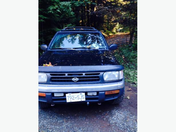 low mileage 1998 nissan pathfinder shawnigan lake cowichan. Black Bedroom Furniture Sets. Home Design Ideas