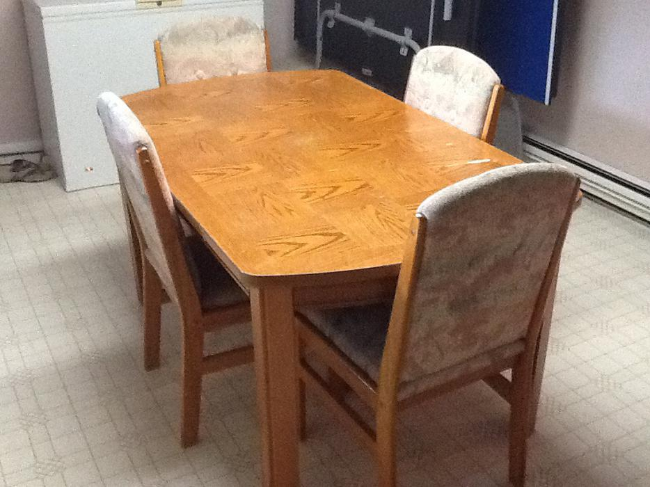 Used Victoria Dining Room Table And Chairs