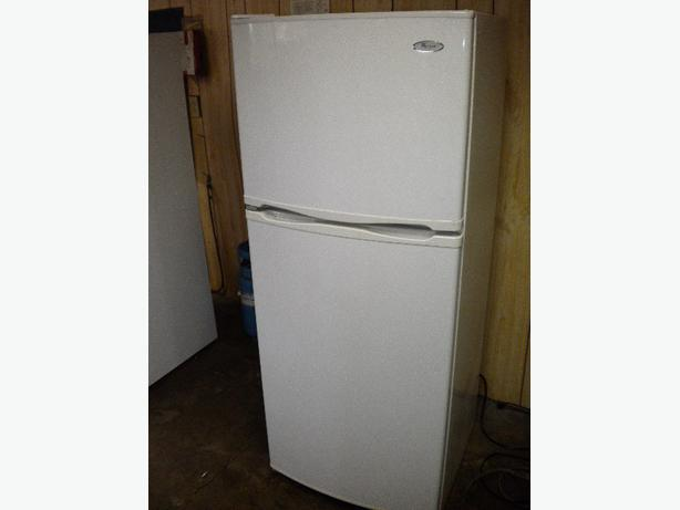 Immaculate 12 cu ft white Whirlpool apartment size refrigerator ...