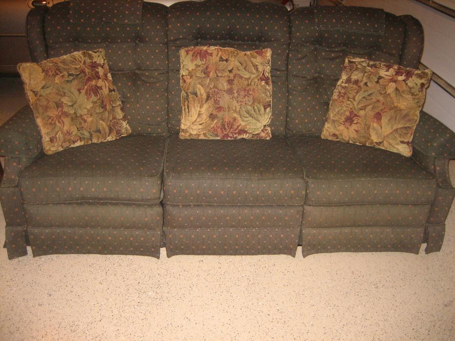 Reclining Sofa Plus Other Fine Quality Furniture In Uplands Oak Bay Home Oak Bay Victoria