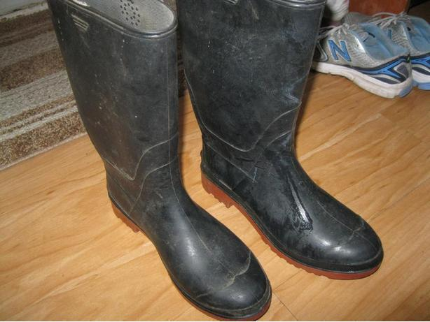 MEN's Rubber Boots - size 9