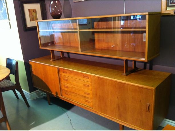 Treasure island collectibles offers furniture consignment for Consignment furniture clearwater