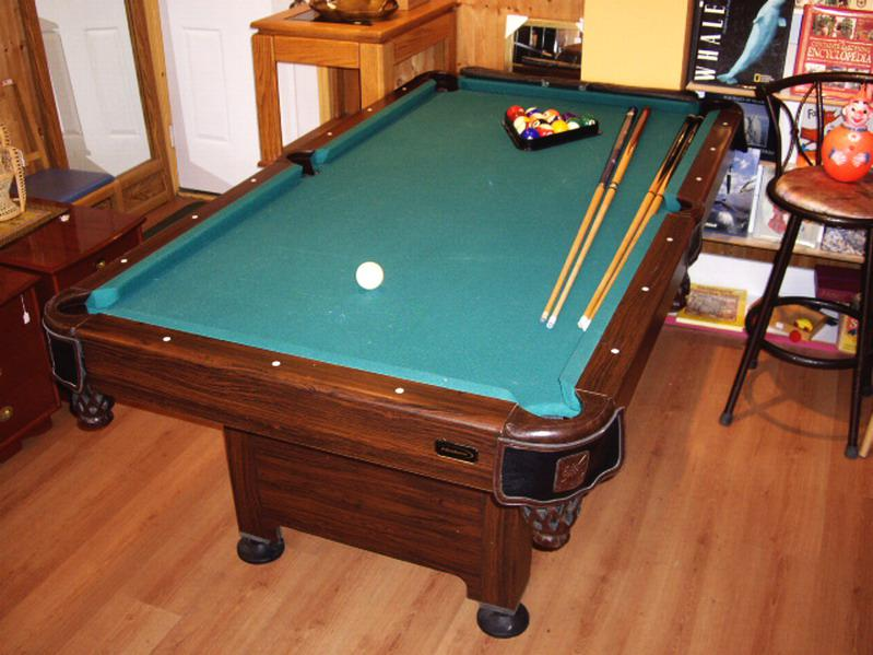 Small halex pool table 4 39 x 6 5 39 with accessories for Pool table 6 x 3