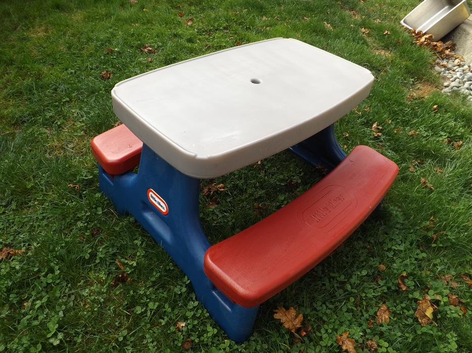 Little Tikes Toys Childrens Play Picnic Table Ages 2 4