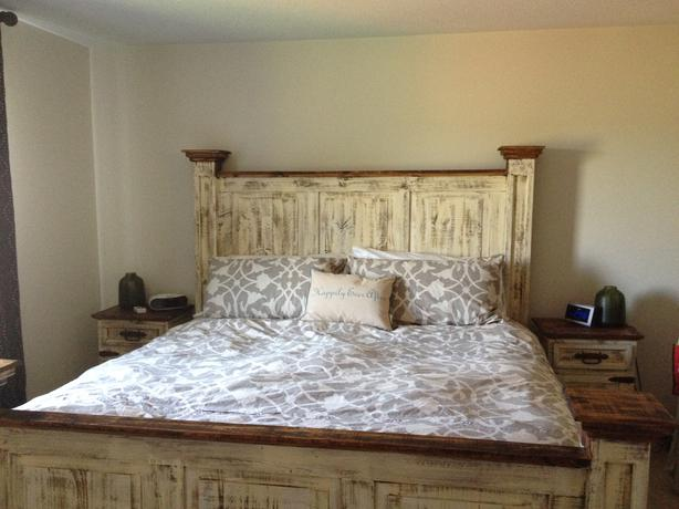 Classic antiqued white wash rustic pine Queen bed Outside ...