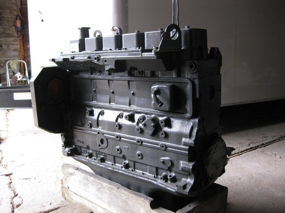 5 9 Cummins Engine Rebuilt Long Block Industrial Outside