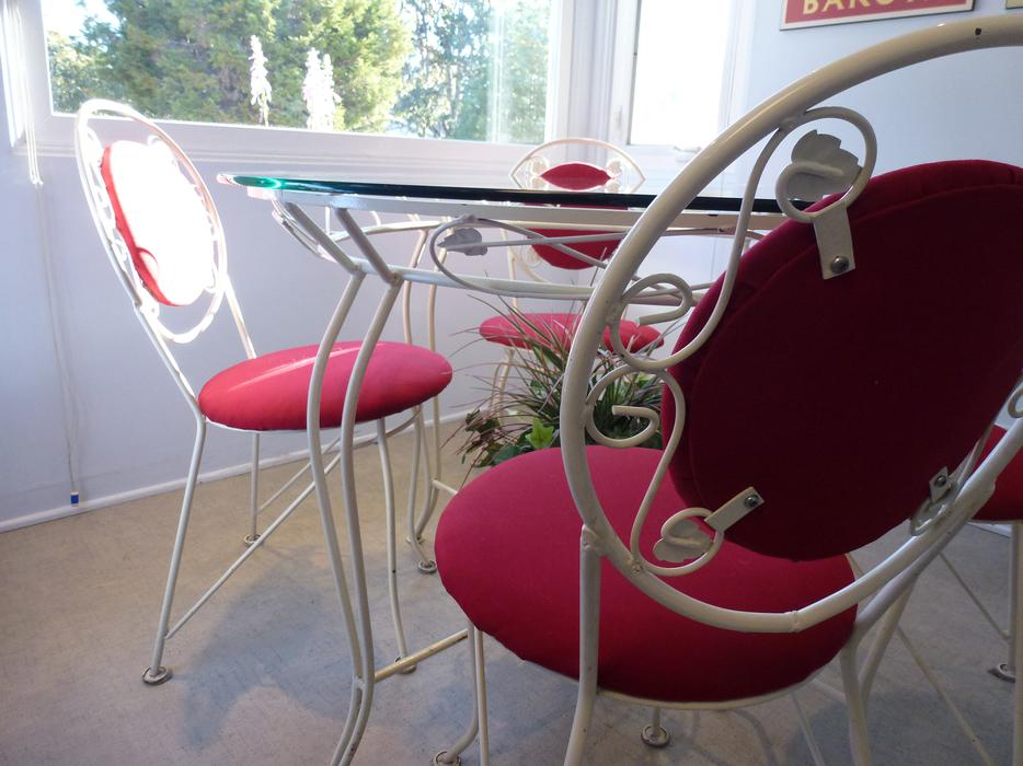Wrought iron table 4 chairs saanich victoria mobile - Used wrought iron furniture ...