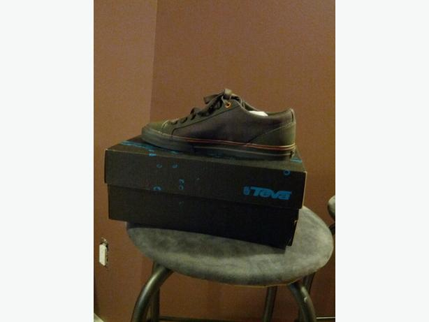 mens casual/ skate shoes - NEW