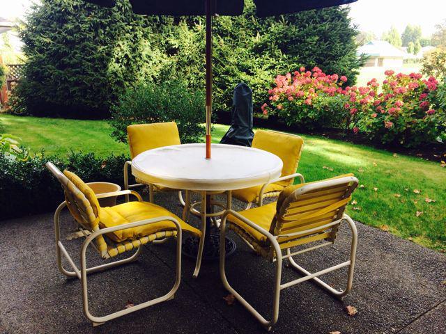 Outdoor patio furniture must go saanich victoria for Outdoor furniture kelowna