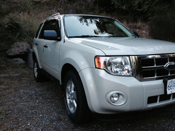 2009 Ford Escape XLT A...2009 Ford Escape Xlt Battery Light Stays On