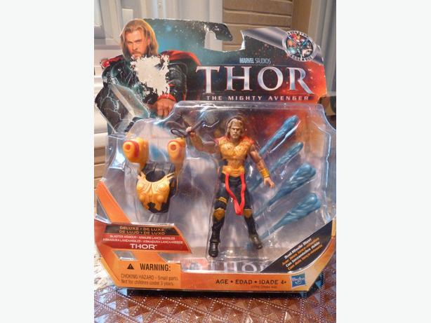 NEW Thor action figure playset