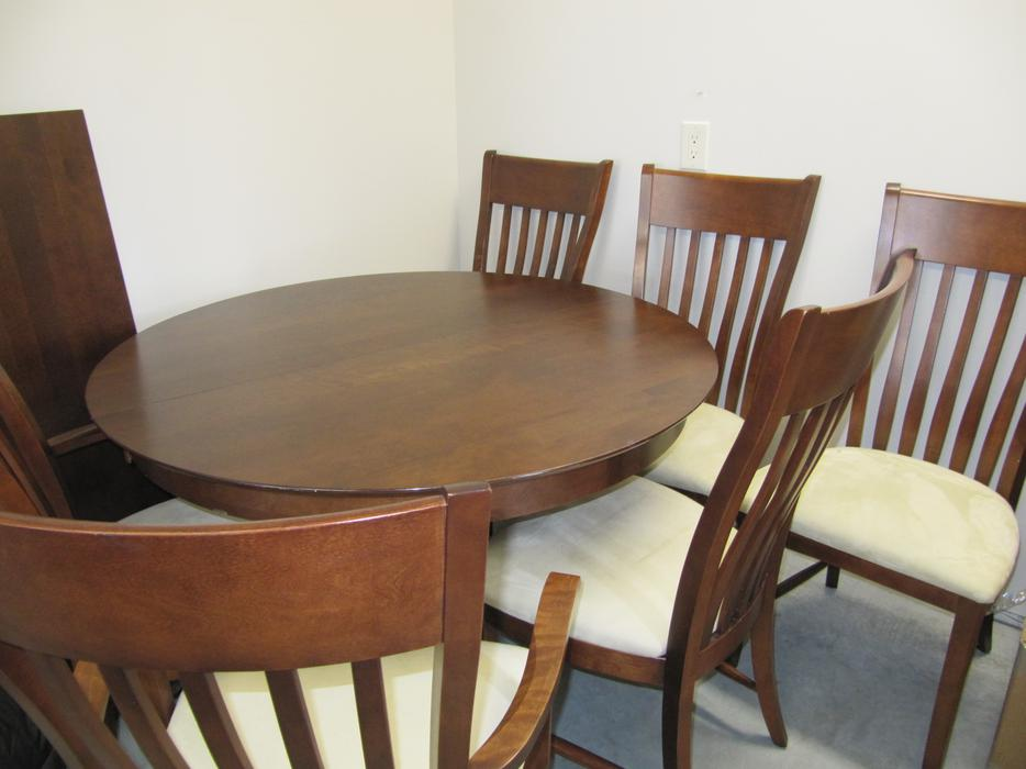 Dining room table and 6 chairs outside cowichan valley for Dining room tables kelowna