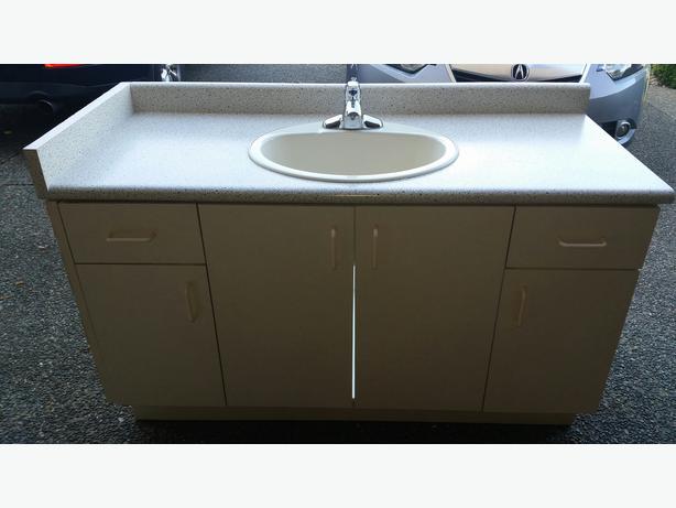Free Bathroom Vanity Laminate Countertop Sink Amp Faucet
