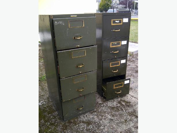 free 2 functional but ugly filing cabinets north saanich sidney victoria. Black Bedroom Furniture Sets. Home Design Ideas