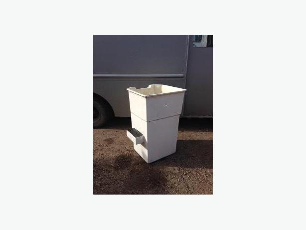 MANLIFT BUCKET