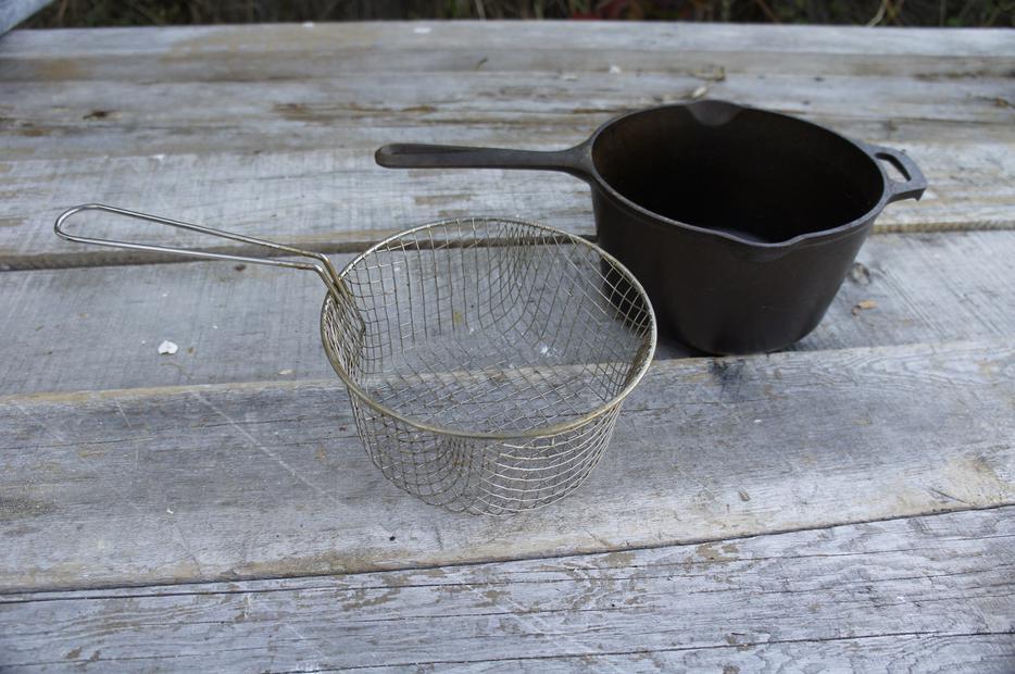 Lodge 2 5 Qt Cast Iron Fryer W Basket Duncan Cowichan