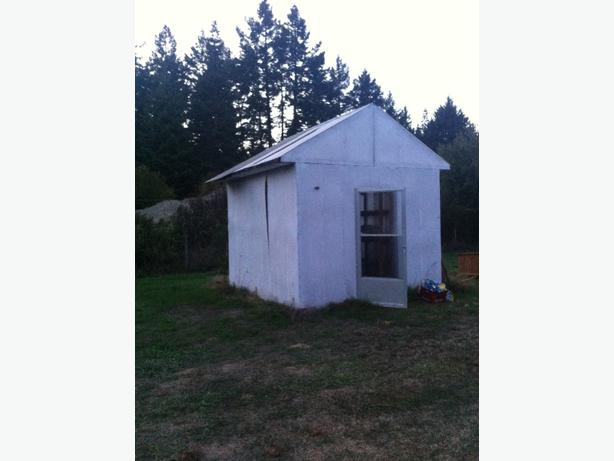 Green house and storage shed west shore langford colwood for Garden shed victoria
