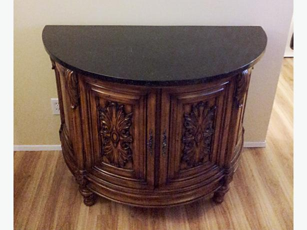 Bombay company stone top liquor cabinethalf moon table  : 41575602614 from www.usedvictoria.com size 614 x 461 jpeg 37kB