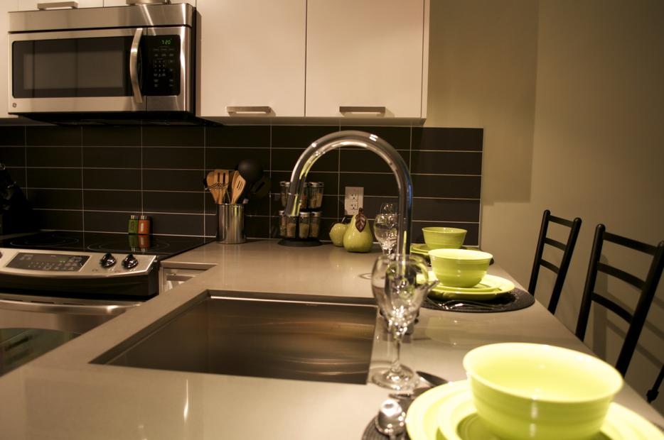 The Oasis Luxurious Condo From Cad Night