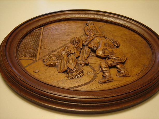 Vintage wood hockey carving kim murray he scores creative