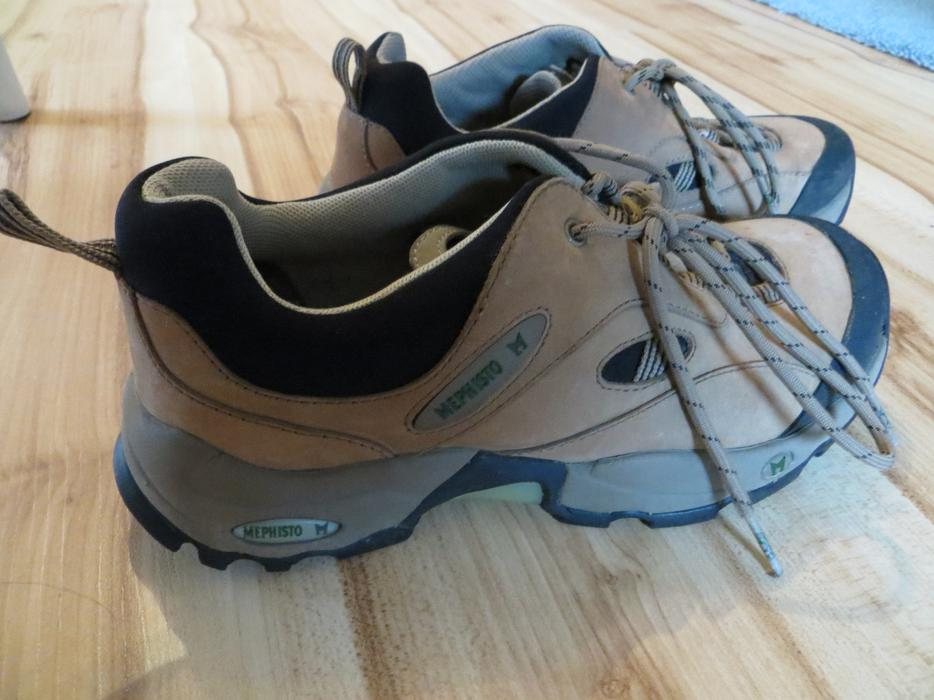Clarks St Walking Shoes