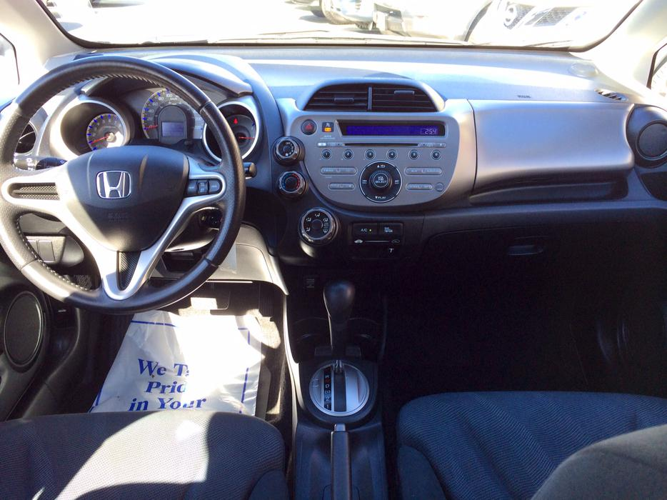 2009 honda fit sport edition hatchback great condition outside