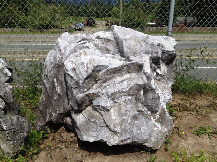 Landscaping Boulders Houston : Extra large weathered limestone boulders duncan cowichan