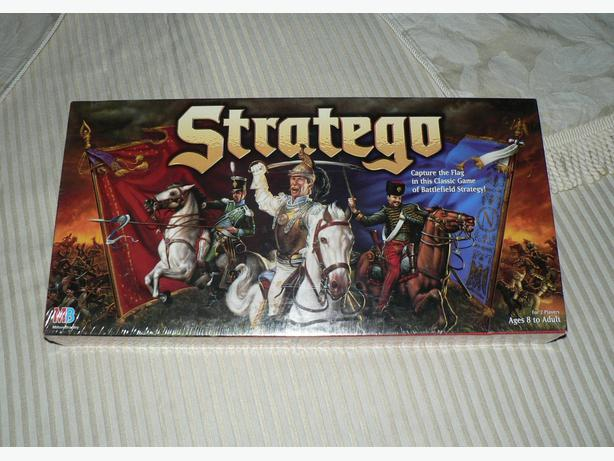 Factory Sealed 1996 Milton Bradley STRATEGO Board Game Battlefield Strategy