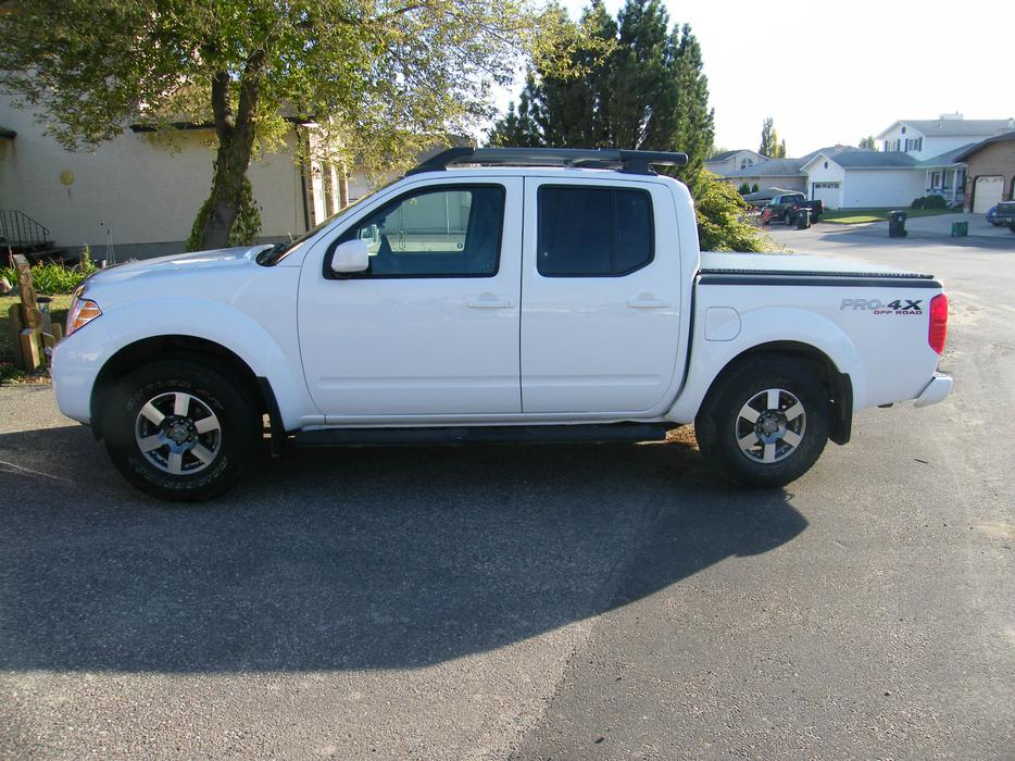 2010 nissan frontier pro4x crew cab loaded east regina regina mobile. Black Bedroom Furniture Sets. Home Design Ideas