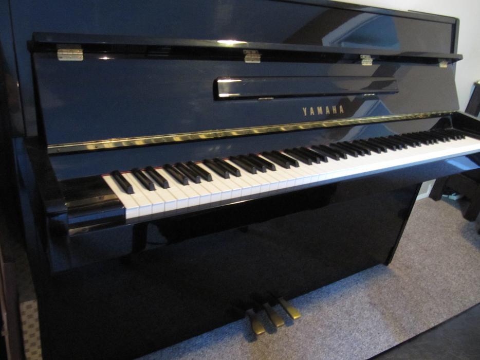 Yamaha upright piano west shore langford colwood for Yamaha piano store winnipeg
