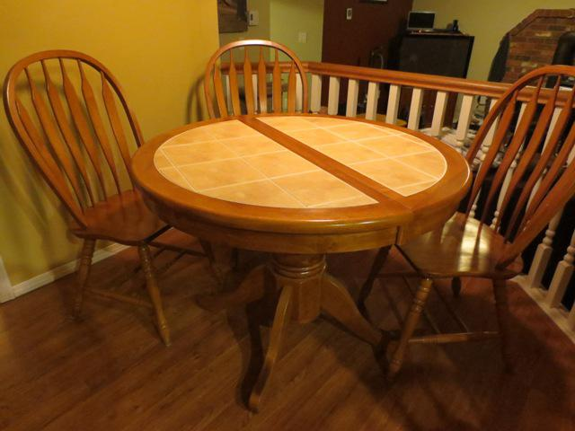 Solid Oak Tile Top Kitchen Table With 4 Chairs Saanich