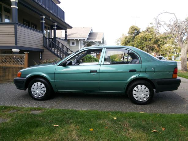 95 Toyota Tercel Automatic 4 Door 2nd Owner Victoria City