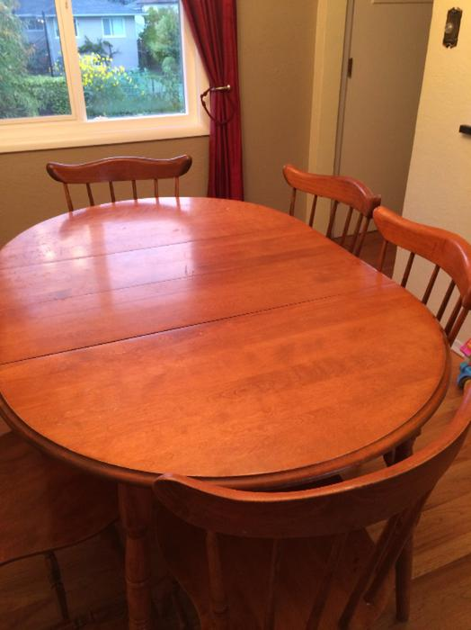 Solid wood dining room table and 6 matching chairs saanich for Dining room tables kelowna