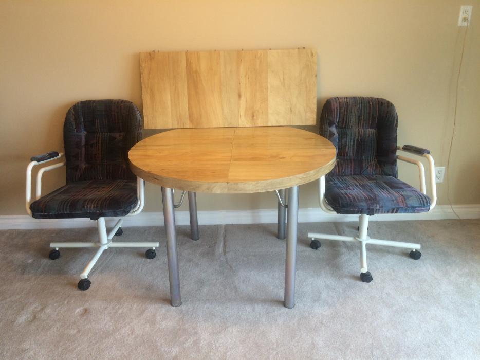Kitchen dining room table and chairs 100 obo saanich for 100 kitchen table