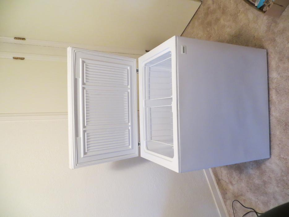 apartment size chest freezer saanich victoria