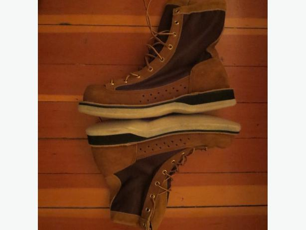Danner River Gripper Fly Fishing Wading boots (size 10) Saanich ...