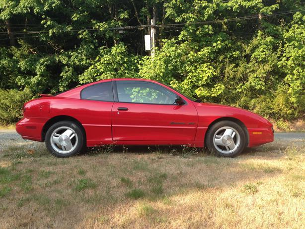 1999 pontiac sunfire gt reduced outside victoria victoria. Black Bedroom Furniture Sets. Home Design Ideas
