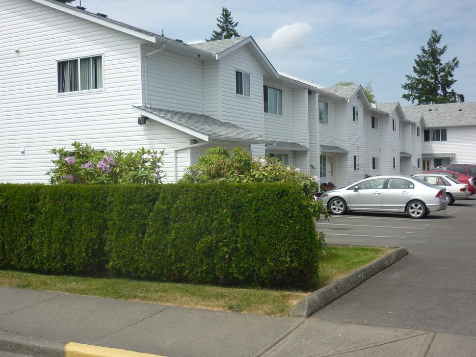 2 Bedroom townhouse for rent in Duncan, April 1 Outside ...