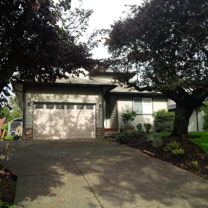 9 Year Old House Near UVIC Saanich, Victoria